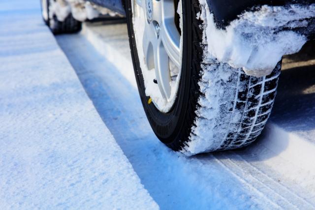 新型スペーシアのタイヤ交換方法は? そのタイミングは? そして費用は?