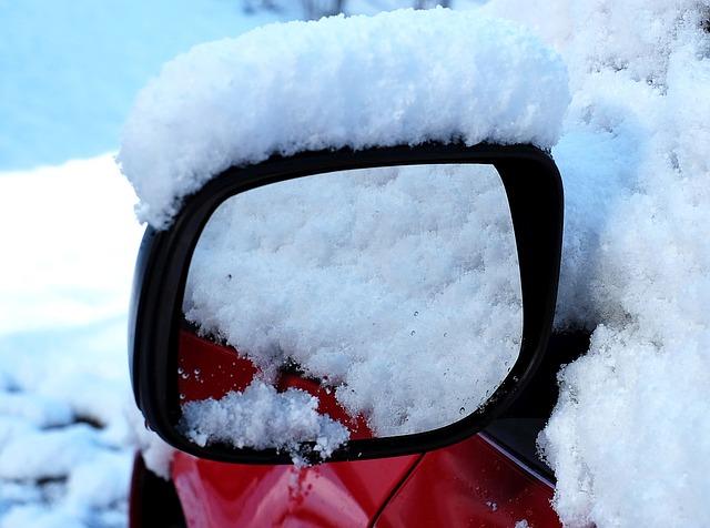 新型エブリイワゴンの雪道走行は滑るって本当?滑りにくい走り方のコツはあるの?