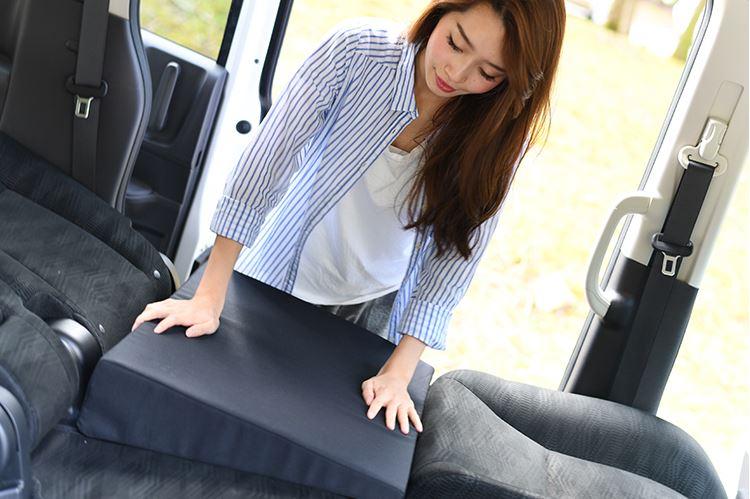 新型スペーシアで車中泊キャンプはできる?気持ちよく寝るためのおすすめグッズも紹介