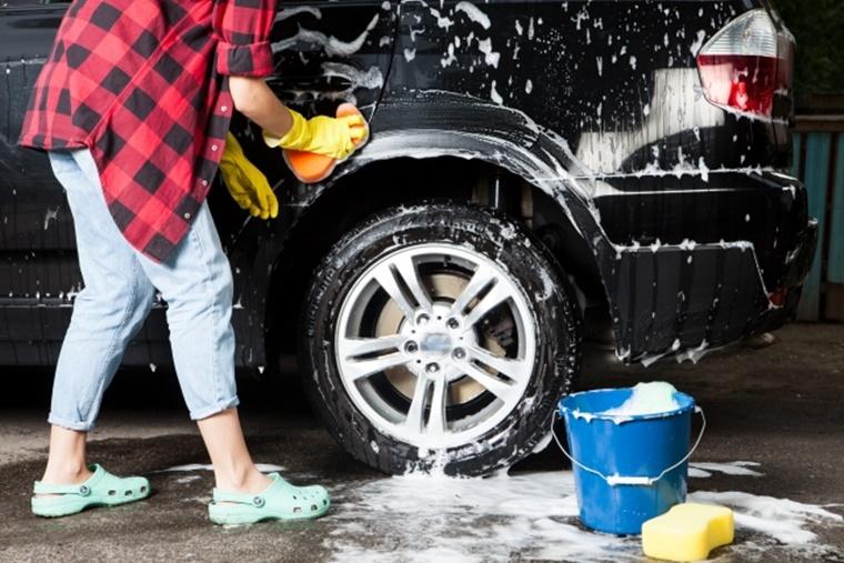 新型スペーシアギアの洗車の仕方は?洗車機と手洗い、どっちがおすすめ?