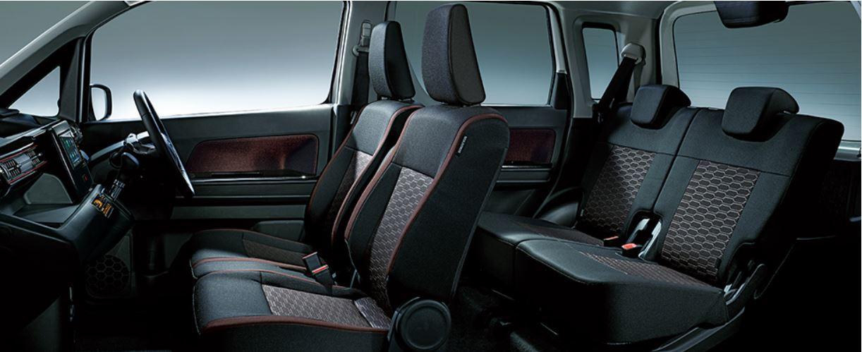 新型ワゴンRスティングレーの乗り心地は快適?後部座席は大人の男性でも足を伸ばせる?