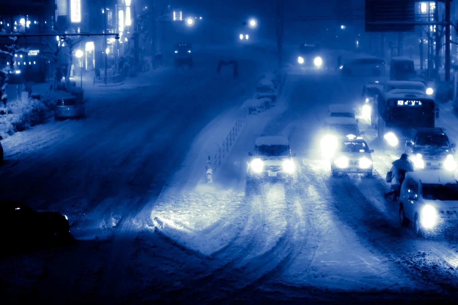 新型ワゴンRスティングレーの雪道走行は滑るって本当?滑りにくい走り方のコツはあるの?