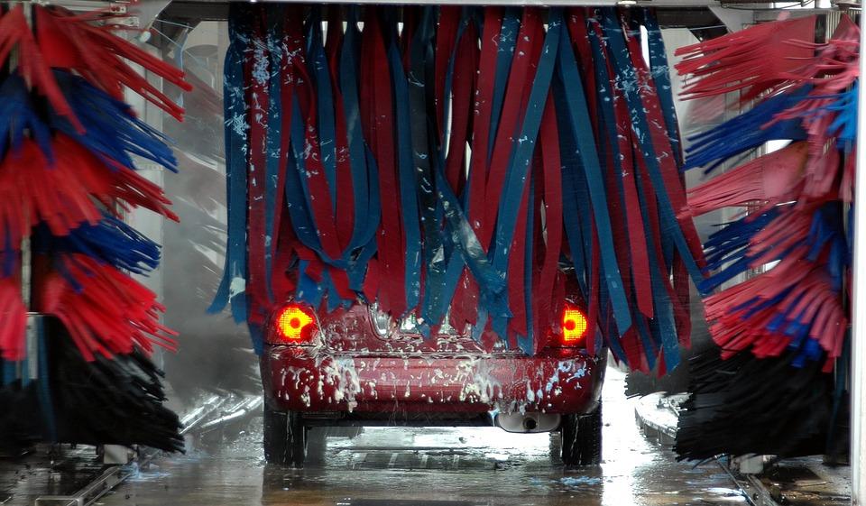 新型スイフトスポーツの洗車の仕方は?洗車機と手洗い、どっちがおすすめ?