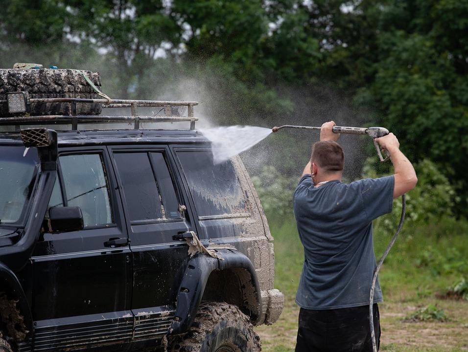 新型バレーノの洗車の仕方は? 洗車機と手洗い、どっちがおすすめ?