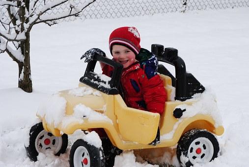 新型スイフトの雪道走行は滑るって本当?滑りにくい走り方のコツはあるの?