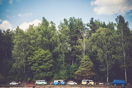 新型スイフトスポーツで車中泊キャンプはできる?車中泊に必要なおすすめ便利グッズも紹介