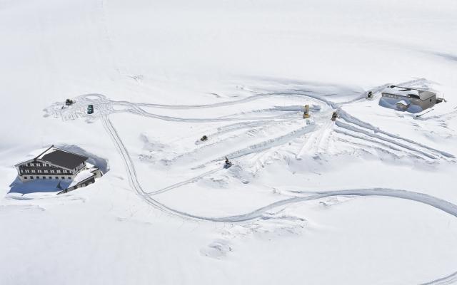 雪道を走るには新型ハスラーとジムニーどちら?4WDの性能、脱出能力、登坂能力、維持費。雪国で生活するならどちらを買う?